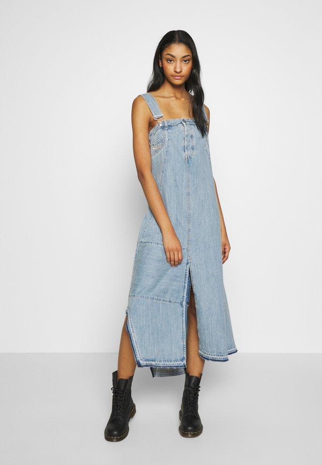 DE-FYONA DRESS - Sukienka jeansowa - blue denim