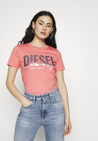 Diesel - T-SILY-WX MAGLIETTA - Triko spotiskem - pink - 0