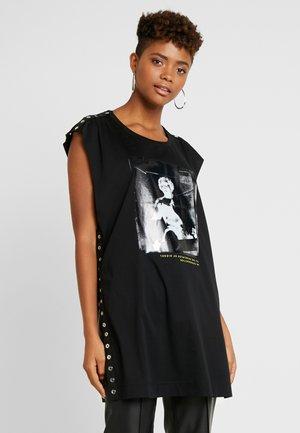 TDESY - Print T-shirt - black