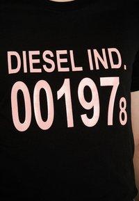 Diesel - T-SILY-001978 T-SHIRT - Triko spotiskem - black - 4