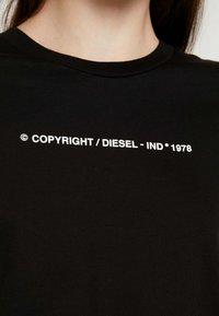 Diesel - SILY COPY - Triko spotiskem - black - 4