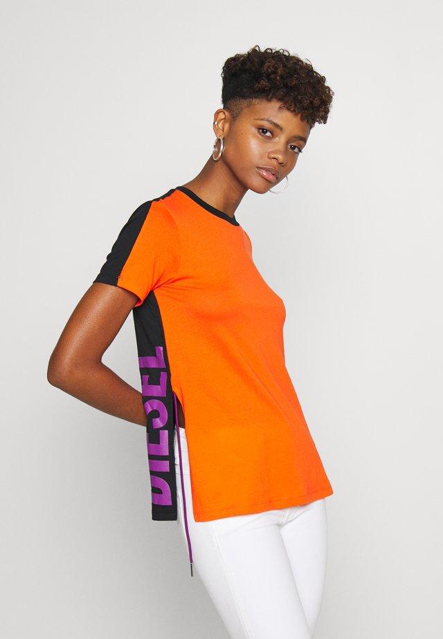 SILYSLIT - T-shirt print - orange