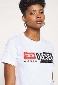 Diesel - SILY CUTY - T-shirt print - white - 3