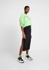 Diesel - F-ANG SWEAT-SHIRT - Sweatshirt - green - 1