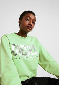 Diesel - F-ANG SWEAT-SHIRT - Sweatshirt - green - 3