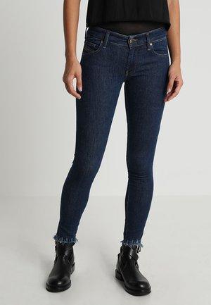 SLANDY LOW - Skinny džíny - indigo
