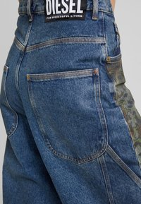 Diesel - D-LUITE-SP - Flared Jeans - indigo - 4
