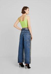 Diesel - D-LUITE-SP - Flared Jeans - indigo - 2