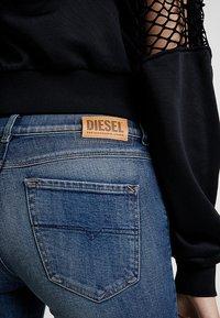 Diesel - SANDY - Džíny Straight Fit - indigo - 5