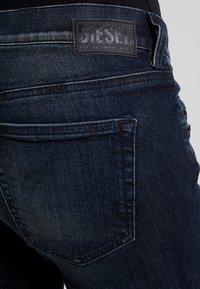 Diesel - D-EBBEY - Jeans bootcut - indigo - 4