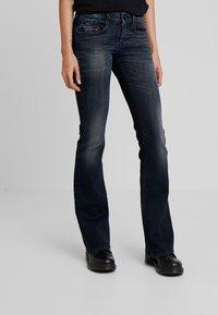 Diesel - D-EBBEY - Jeans bootcut - indigo - 0