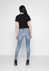 Diesel - SLANDY LOW ZIP - Jeans Skinny - blue denim - 2
