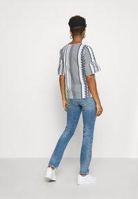 Diesel - D-SANDY - Slim fit jeans - blue denim - 2
