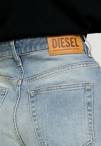 Diesel - REGGY - Jeansy Relaxed Fit - indigo - 4