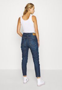 Diesel - D-FAYZA - Relaxed fit jeans - indigo - 2