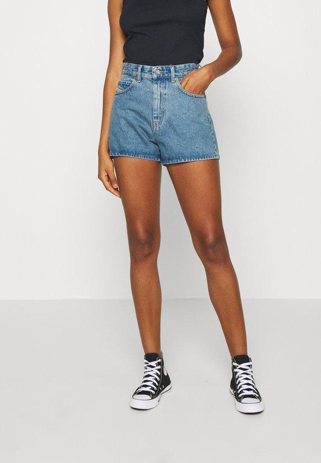 D-ISI-SHORT SHORTS - Shorts di jeans - indigo