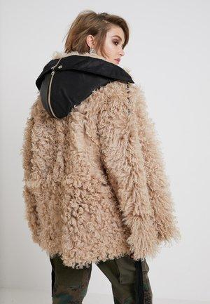 L-YASMINI GIACCA - Winter jacket - star white