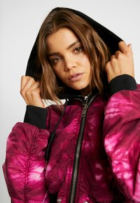Diesel - G-IKAS JACKET - Light jacket - pink - 3