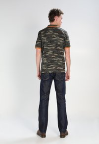 Diesel - LARKEE - Straight leg jeans - 83 - 2
