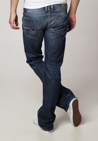 Diesel - ZATINY - Jeans Bootcut - 8XR - 3