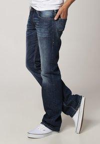 Diesel - ZATINY - Bootcut jeans - 8XR - 2