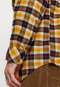 Diesel - S-TOLSTOJ SHIRT - Shirt - mustard/red/grey - 4