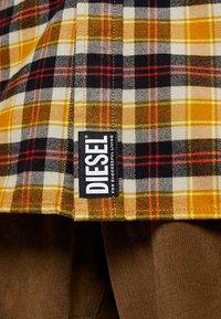 Diesel - S-TOLSTOJ SHIRT - Shirt - mustard/red/grey - 6