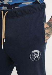 Diesel - UMLB-PETER TROUSERS - Teplákové kalhoty - blau - 3