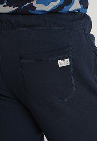 Diesel - UMLB-PETER TROUSERS - Teplákové kalhoty - blau - 5