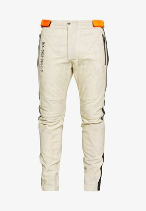 TROUSERS - Pantaloni di pelle - cream
