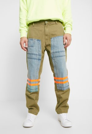 P-CARUSO TROUSERS - Tygbyxor - camel