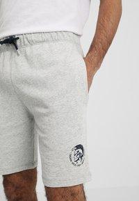 Diesel - UMLB-PAN SHORTS - Shorts - grey - 3