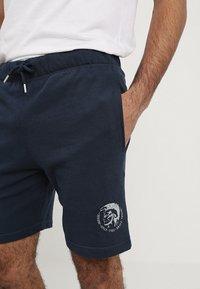 Diesel - UMLB-PAN SHORTS - Shorts - blau - 3