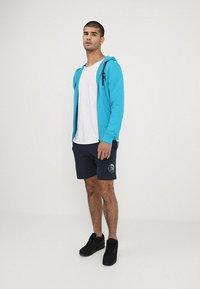 Diesel - UMLB-PAN SHORTS - Shorts - blau - 1