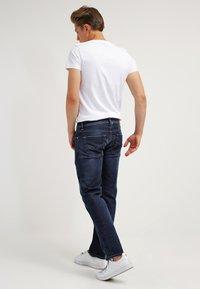 Diesel - LARKEE  - Straight leg jeans - 0853r - 2