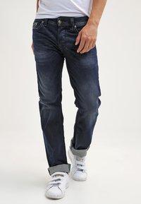 Diesel - LARKEE  - Straight leg jeans - 0853r - 0