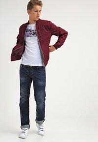 Diesel - LARKEE  - Straight leg jeans - 0853r - 1