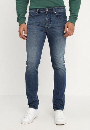 BUSTER - Slim fit jeans - 084tu