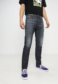 Diesel - BUSTER - Jeans Tapered Fit - dark blue - 0