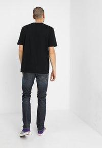 Diesel - BUSTER - Jeans Tapered Fit - dark blue - 2