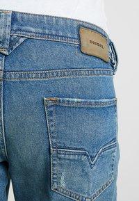 Diesel - LARKEE-BEEX - Straight leg jeans - 089aw - 5