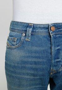 Diesel - LARKEE-BEEX - Straight leg jeans - 089aw - 3