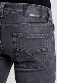 Diesel - LARKEE - Jean droit - grey denim - 5
