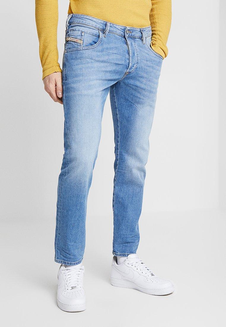 Diesel - D-BAZER - Slim fit jeans - 087aq