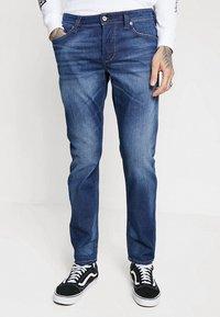 Diesel - LARKEE-BEEX - Jeans Straight Leg - 084gr - 0