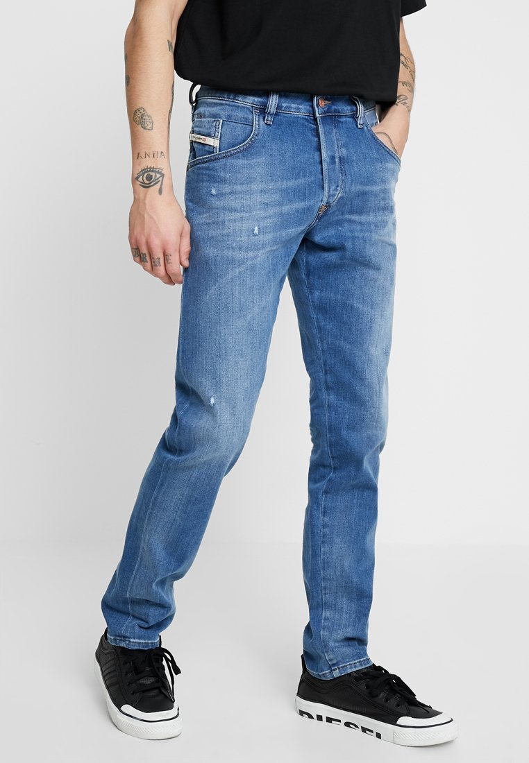 Diesel - D-BAZER - Jeans Tapered Fit - 083ax