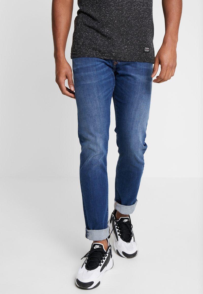 Diesel - BUSTER - Straight leg jeans - 082az