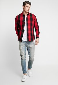 Diesel - D-VIDER - Jeans relaxed fit - 084aq - 1