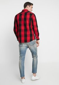Diesel - D-VIDER - Jeans relaxed fit - 084aq - 2