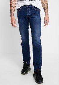 Diesel - SAFADO - Straight leg jeans - 0870f - 0
